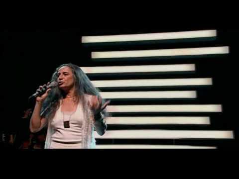 Maria Bethânia - Samba da Bênção (Vinicius de Moraes e Baden Powell)