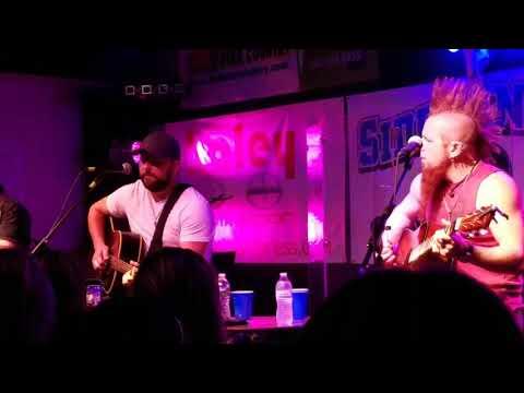 Tyler Farr on 09/21/2017 in Roanoke Virginia performing C O U N T R Y