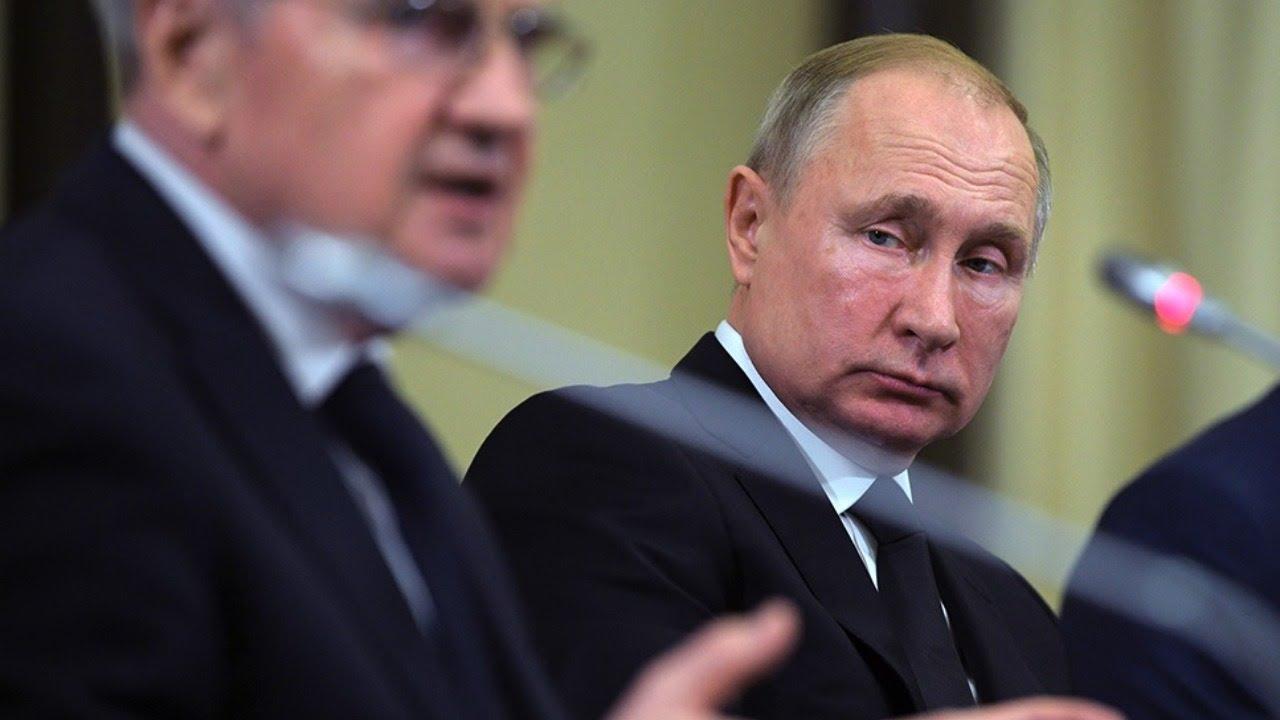 Рабочая встреча Владимира Путина с главой Конституционного суда. Полное видео