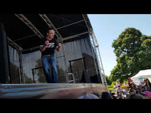 Noel Fitzpatrick Live Presentation at Dogfest Cheshire 18/06/2017 Part 1