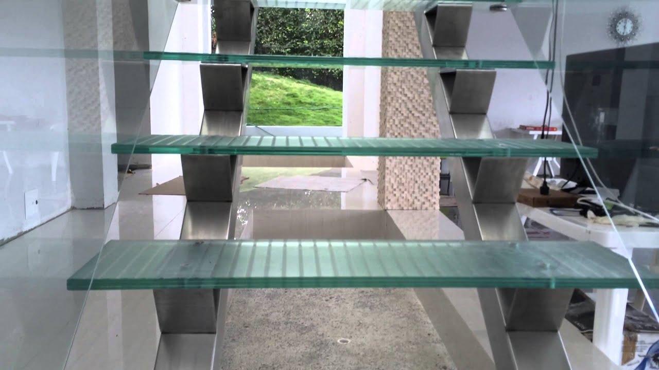 Pasamanos y escaleras en vidrio y acero inox youtube - Escaleras de acero ...
