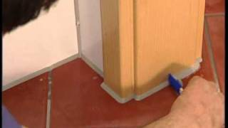 заполнение швов герметиком(фильм про то как надо правильно выполнять замазку швов и стыков в кафельной плитке., 2010-09-27T21:55:36.000Z)