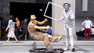 Video The Floating Man And Silver Man Making Fun download MP3, 3GP, MP4, WEBM, AVI, FLV Agustus 2017
