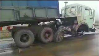 Эти парни умеют ездить! Водители грузовика уровень БОГ! Профи своего дела!