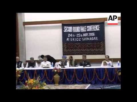 Indian PM Singh meets local ministers