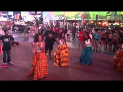 Creole Dancers At Times Square!