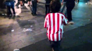 Gente che balla a Bilbao