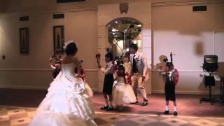 結婚式に子供達でてんとう虫のサンバを可愛く踊りました。