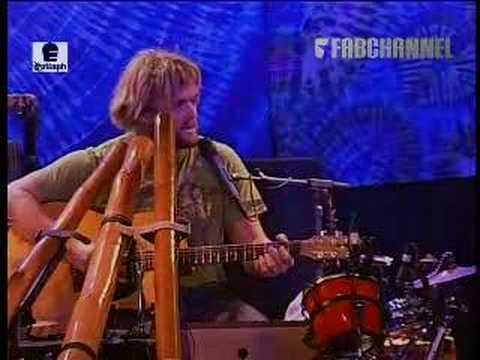 Xavier Rudd - 'Fortune Teller' (live at Melkweg)
