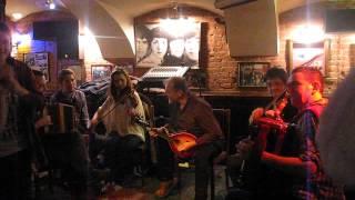 The Midgies Ceilidh Band in Spb, Liverpool bar