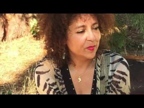 Interview de Colinette Haller (Le dos de ma lumière) - Caméra Culture