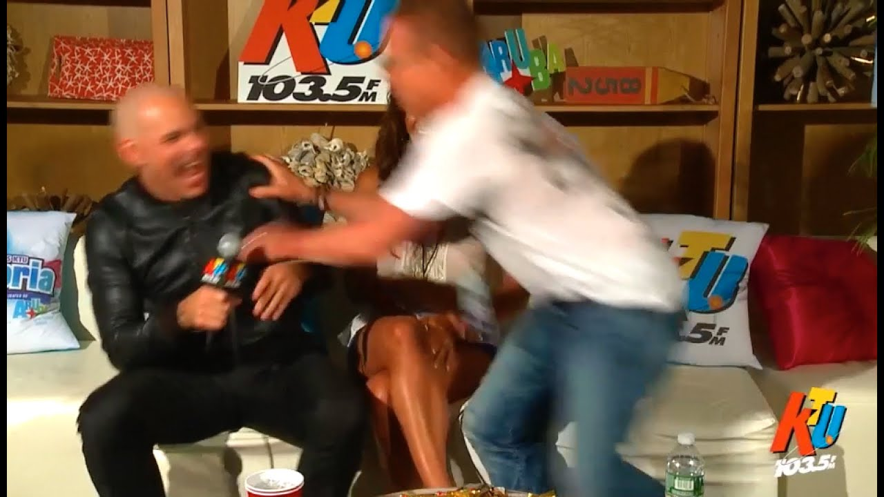 Pitbull Seduces My Wife Backstage Youtube
