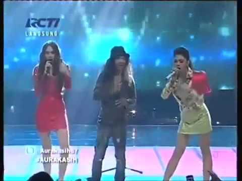 Konser KFC Adu Bintang Slank VS Aura Kasih dan Vicky Shu