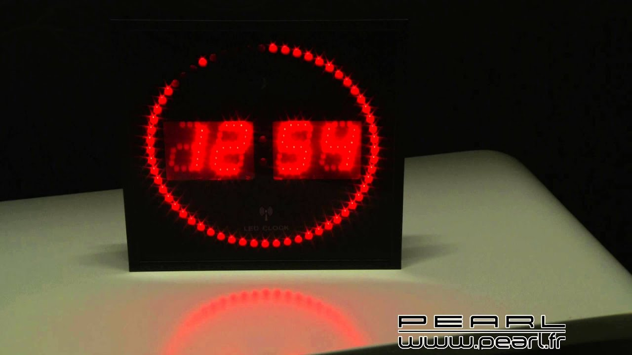 nc7268 horloge digitale murale avec 60 led radiopilot e rouge youtube. Black Bedroom Furniture Sets. Home Design Ideas