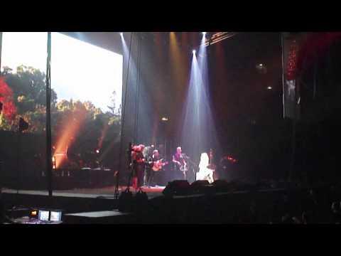 [HD] Dolly Parton Blue Smoke World Tour 2014 (Cologne, Germany)