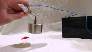 Неодимовый магнит+батарейка=мегаволчок(Очередной эксперимент с участием неодимового магнита, еще один образец простейшего электродвигателя., 2016-01-20T08:44:20.000Z)