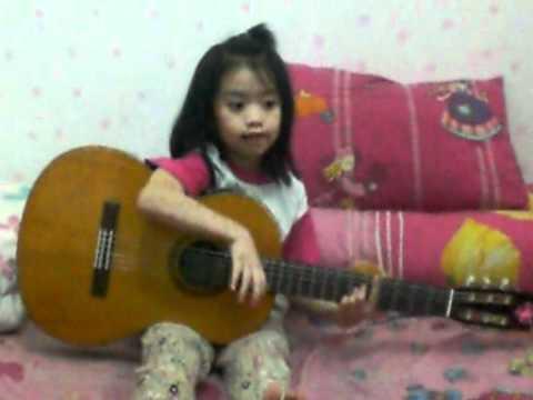 "Aileen Singing ""ibu Guru Kami"""