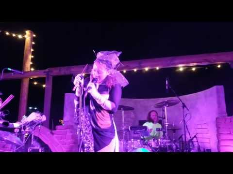 Little Dragon - High at Pappy and Harriets 4/13
