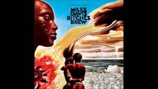 Miles Davis - Miles Runs The Voodoo Down
