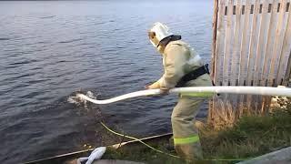 Применение пожарных рукавов для спасательных работ и боновых заграждений