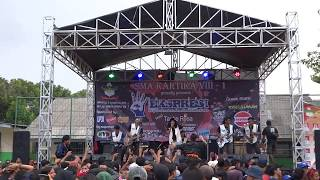 "EsKrim Live - ""COVER GEMU FA MIRE"" Versi SKA - Sma Kartika Jakarta Selatan"