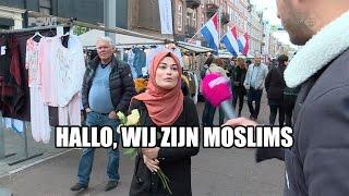 Moslims delen rozen uit