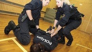Der Alltag der Polizeischüler - Ein Traumberuf ? [Doku Polizei 2015]