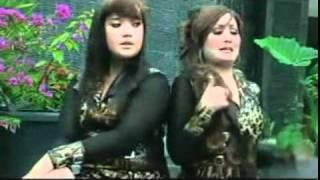 Gambar cover tarling nunung alvi 2011 ( kumis tipis ) feat alvi nada