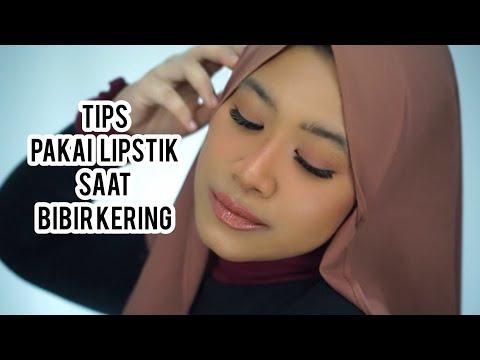tips-memakai-lipstik-saat-bibir-kering