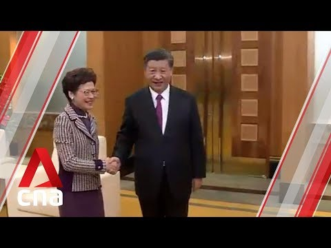 Chinese president meets Hong Kong leader in Macau