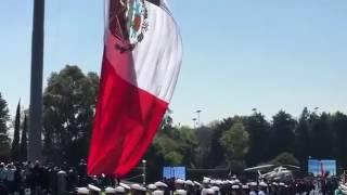 SE ROMPE LA BANDERA DE MEXICO EL DIA DE LA BANDERA CEREMONIA