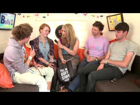 Tango @ Underage 2010 - Interview Los Campesinos