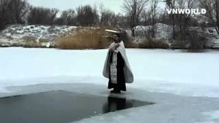 Крещение в Уштобе на озере в селе Дзержинск