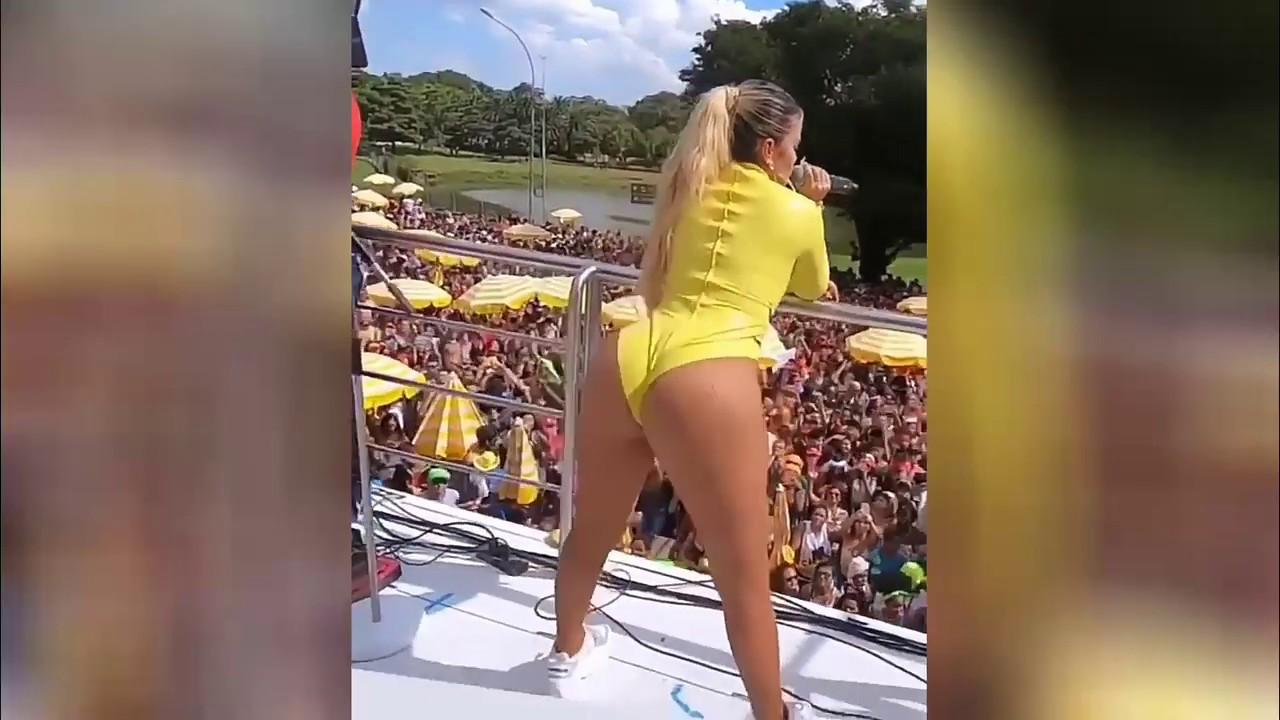 KarolG en Brasil