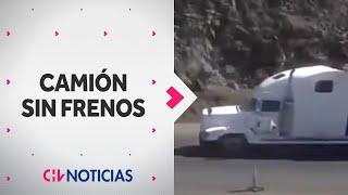 Impactante registro muestra accidente de camión sin frenos en Arica - CHV Noticias