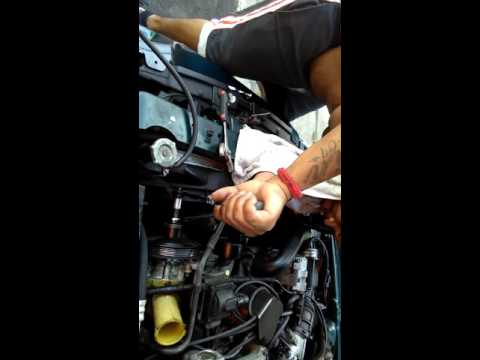 Vid 4  How to change your power steering pump. Pulling the pully