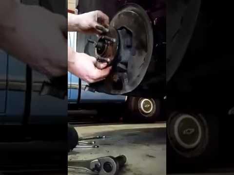 Ford Taurus Wheel Bearing Failure