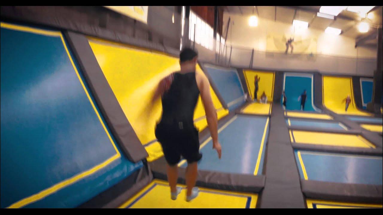 session trampoline park bordeaux let 39 s jump youtube. Black Bedroom Furniture Sets. Home Design Ideas