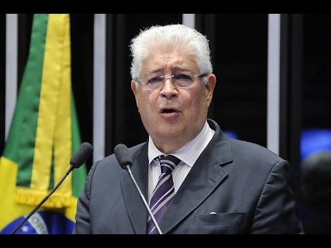 """Para Requião, """"instituições republicanas derreteram-se"""" e Brasil vive momento de maior desafio"""