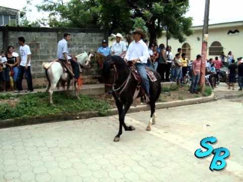hipico 8 de agosto fiestas patronales somotillo 2010 SOMOTILLO BACANAL.wmv