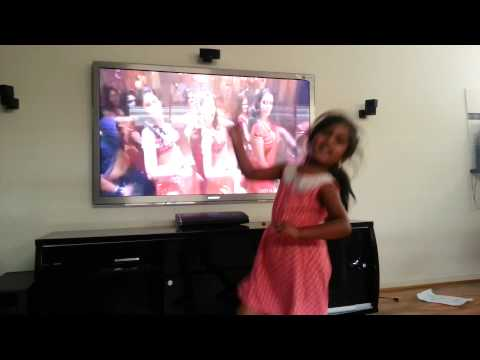Pooja Sri Senthilkumar  Dance @ Kalakalappu @ Ivalunga Imsai Songs