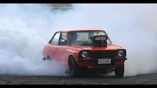 ULEGAL PUTS ON A SMOKE SHOW AT POWERCRUISE 60 BUY IN BURNOUTS