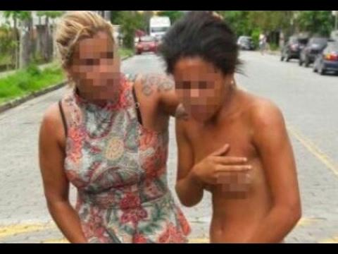 Эксгибиционистки, голые девушки и женщины на улице или в