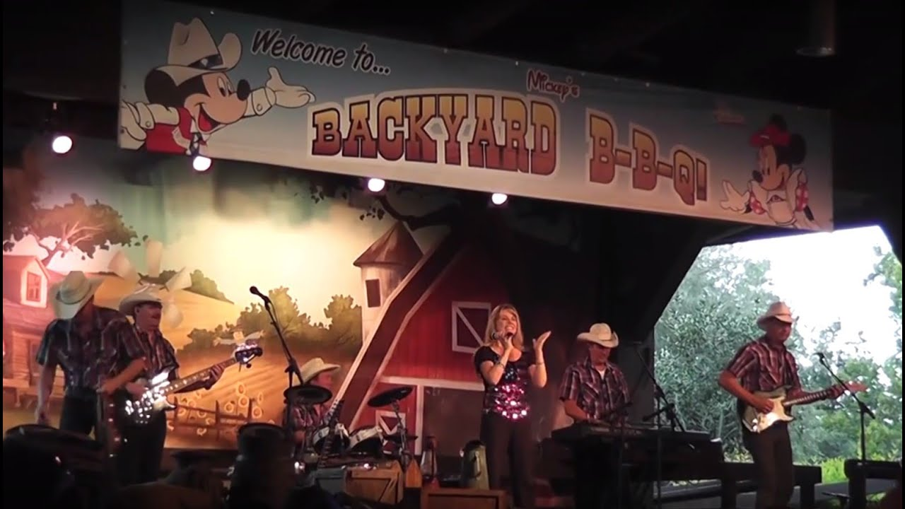 Mickey Mouse Backyard Bbq mickey's backyard bbq at fort wilderness in disney world - youtube