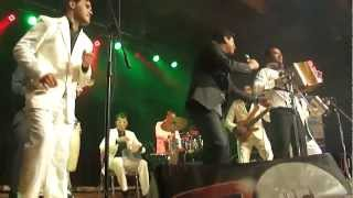 Los Diablitos [01/10] - A Besitos - En Vivo Toronto 2013