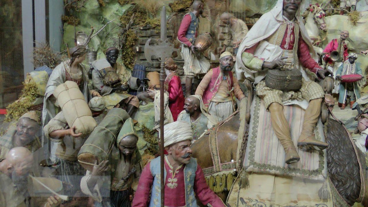 Napoli natale 2013 il presepe pi bello del mondo youtube for I murales piu belli del mondo