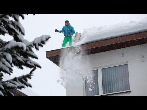 euronews (deutsch): Schneechaos in den Alpen: ein Toter nach Lawine