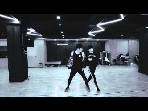 Good kisser - Usher / HOYA / INFINITE CONCERT practice video
