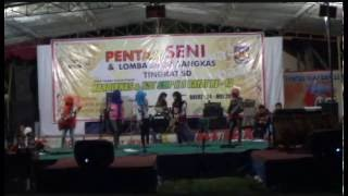 Repeat youtube video Video Mesum...?  No. Mbolos-Retno Cs-Parade Band SMPN 3 Bayat Klaten Jateng