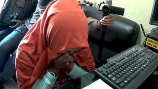 Download Video Terekam CCTV...!! Emak-Emak Zaman Now Nekat Curi Baju - NET. JATIM MP3 3GP MP4